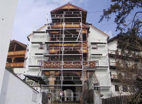 Fassadenmalerei-und-Altbausanierung